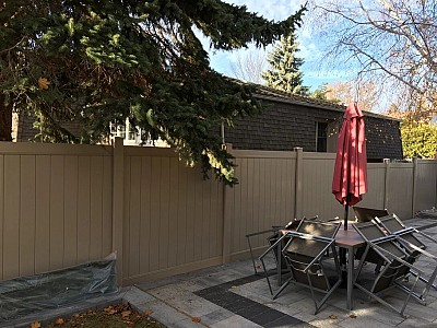 6' high 2 Rail privacy fence, Tan