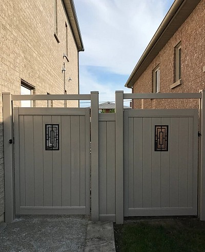 Tan colour, Privacy Gate with rectangular insert