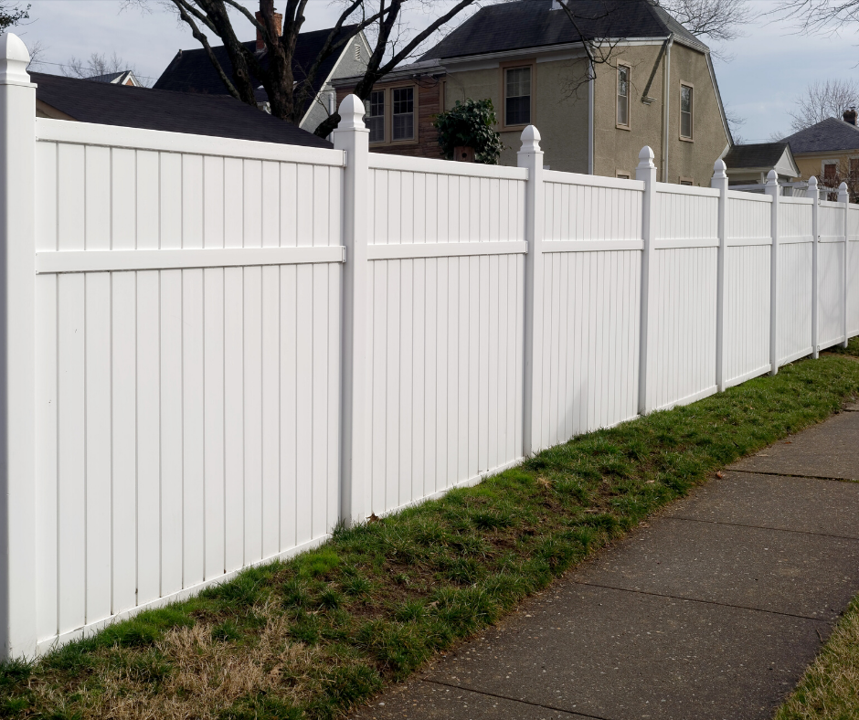 vinyl fence installation in Toronto