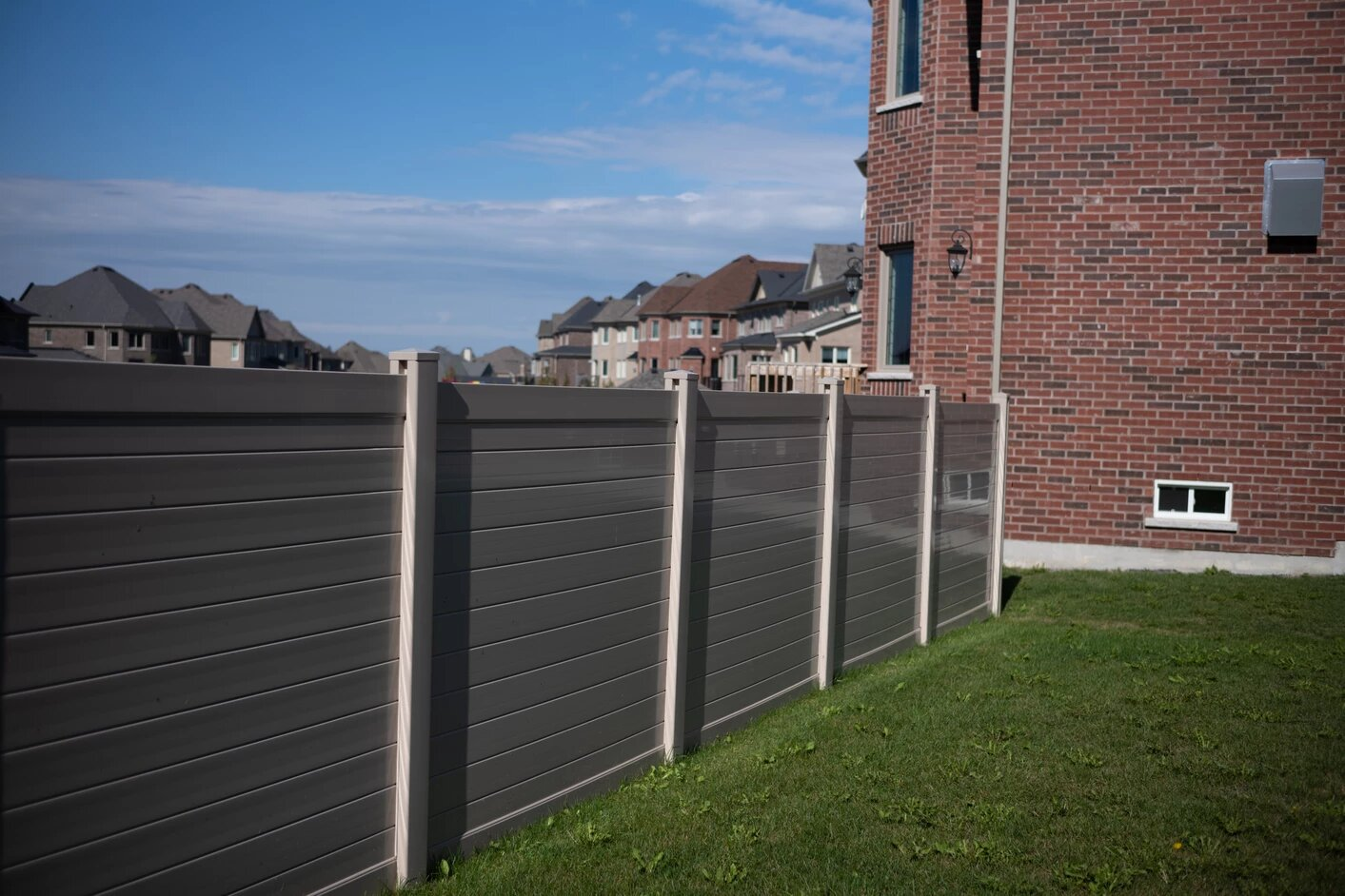 Vinyl Fence Installtion in Toronto